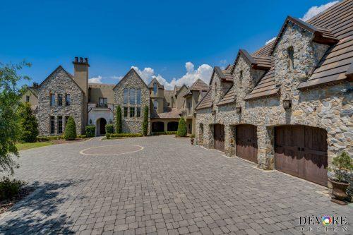 Sales of large homes skyrocket as homeowners seek more space